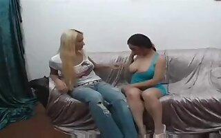 Kinky Vagina Gets Laid By A Tranny