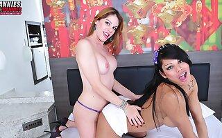 Bia Bastos & Cassia Carvalho - Brazilian-Transsexuals