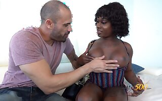 Gloomy transsexual hustler Nick scrimp Da Hunter is fucked by white man